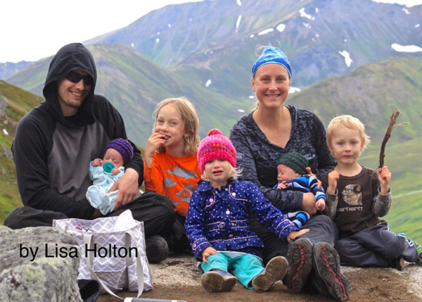 Chris holding Maevia, Fenris, Nimue, Holly holding Ateus and Kairos Steere in Anchorage